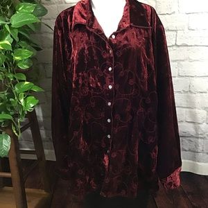 Deep red crushed velvet button-down 22/24W top